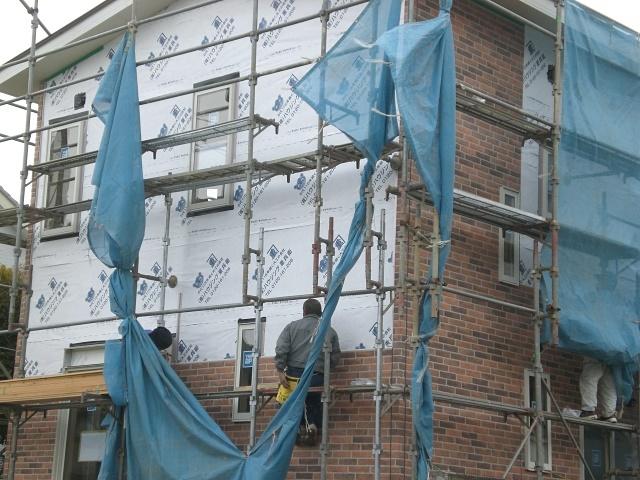 建て替え中の新築